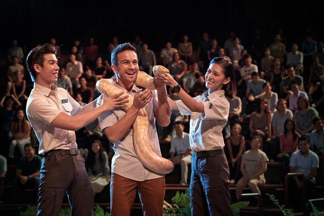 画像: 動物たちによるナイト・ショーも人気の催しもののひとつ Photo:Wildlife Reserves Singapore