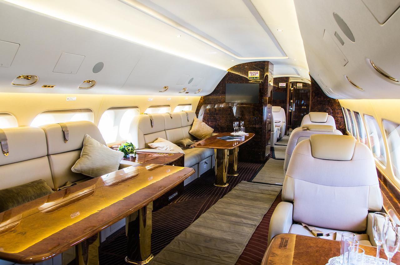 画像: 行き先も機内での過ごし方も、お客さまのお好みで