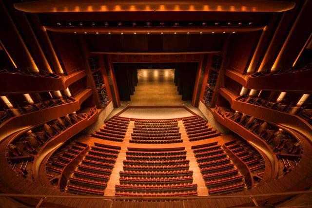 画像2: 【hitaru】最新の舞台演出と共に音を楽しむ。札幌の芸術基地