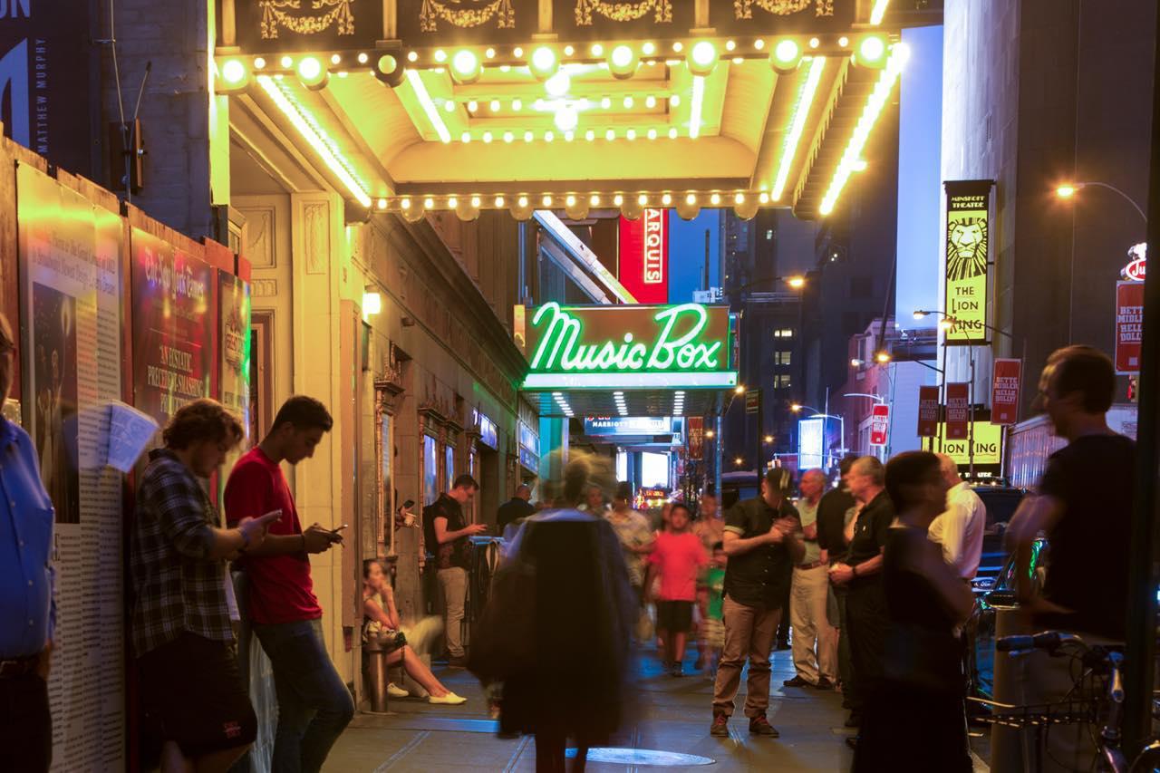 画像: 連日さまざまなライブや劇が催されています (c) Kate Glicksberg/NYC & Company