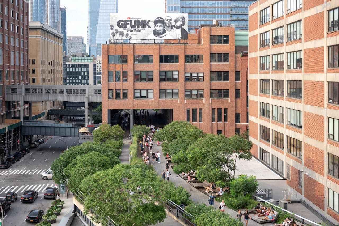 画像: 高架を利用した散歩道なのでレールが残っている部分も (c) Timothy Schenck