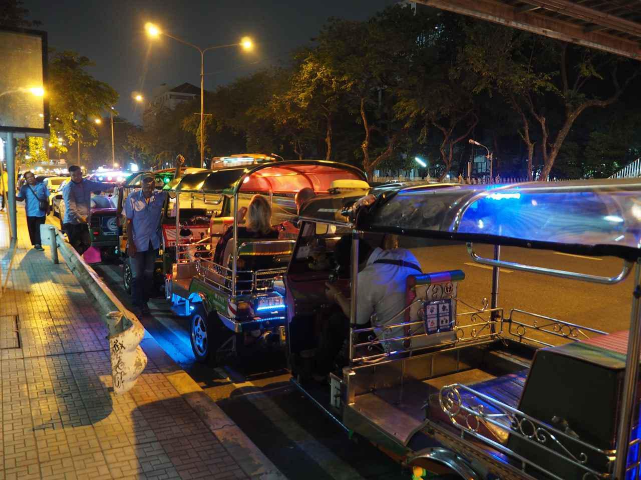 画像2: 20:00 トゥクトゥクグルメツアーでバンコクのグルメを堪能(所要時間約4時間)
