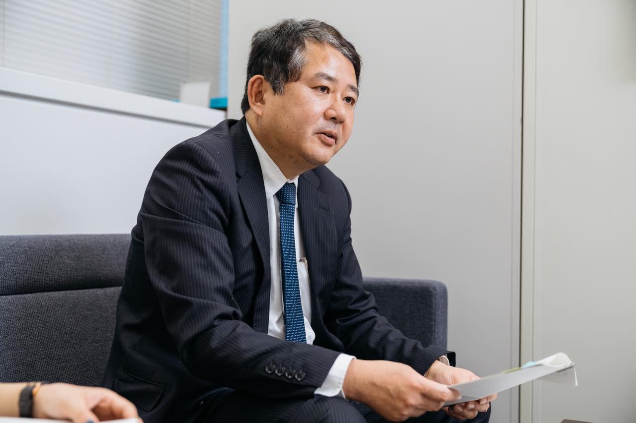 画像: 外務省領事局 旅券課 首席事務官 上薗英樹さん