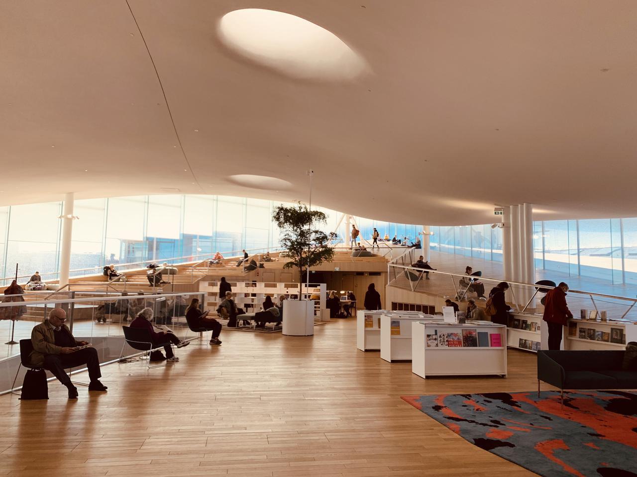 画像: 世界最高の図書館に選ばれた観光スポット ヘルシンキ中央図書館 Oodi
