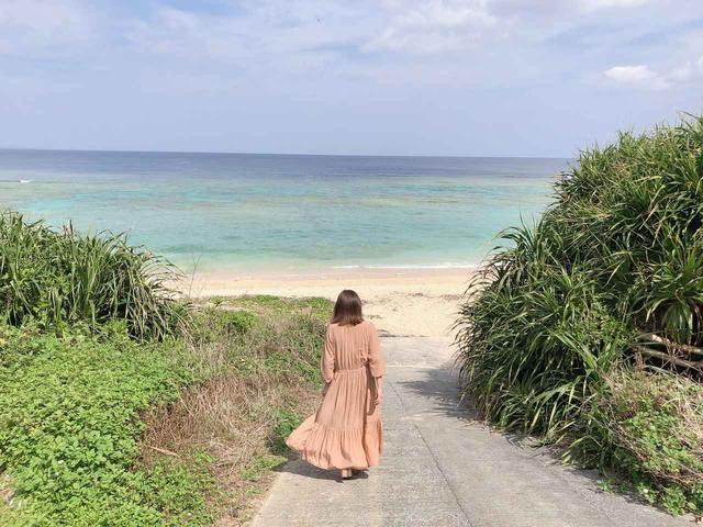 画像: プライベートビーチのような崎山ビーチまで、歩いて7分