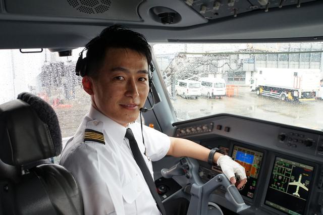 画像1: 安心してご搭乗いただくために…運航乗務員が機内の空気循環の仕組みを解説