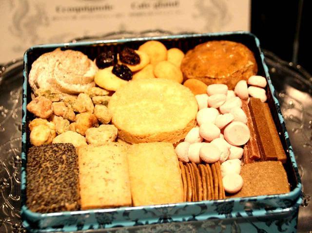 画像: 「森の恵クッキー プティボワ」。森から採れた食材で、17種類のクッキーを創出し、詰めたクッキー缶