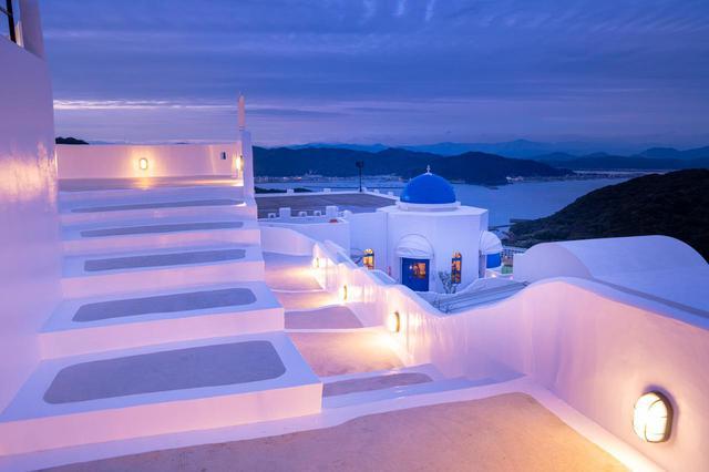 """画像1: 【高知】エーゲ海の""""奇跡の島""""を再現した「ヴィラサントリーニ」"""