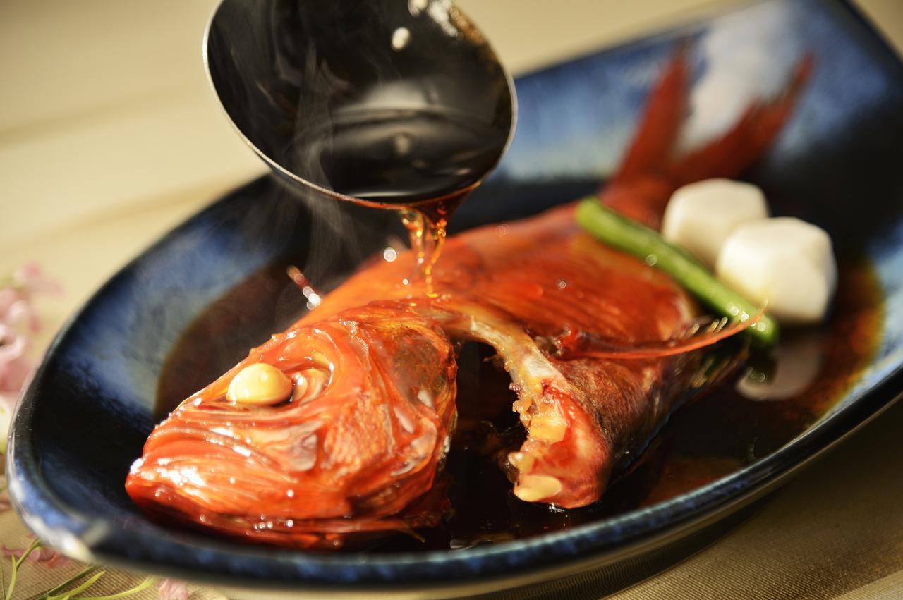 画像: 名物・金目鯛の煮付け