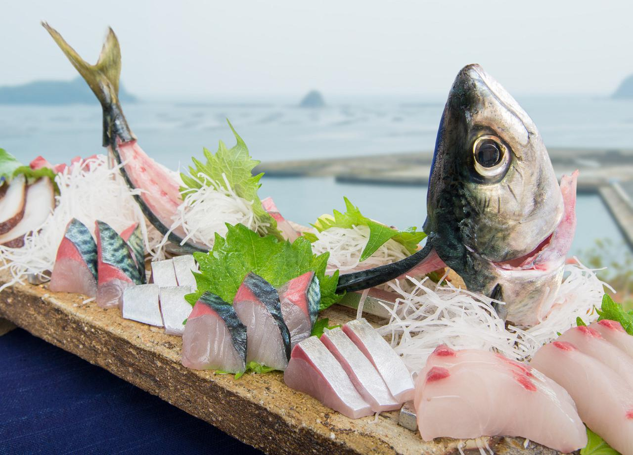 画像: 「ひむか本サバ」や「伊勢えび」など、日豊海岸の美味を心ゆくまで味わう