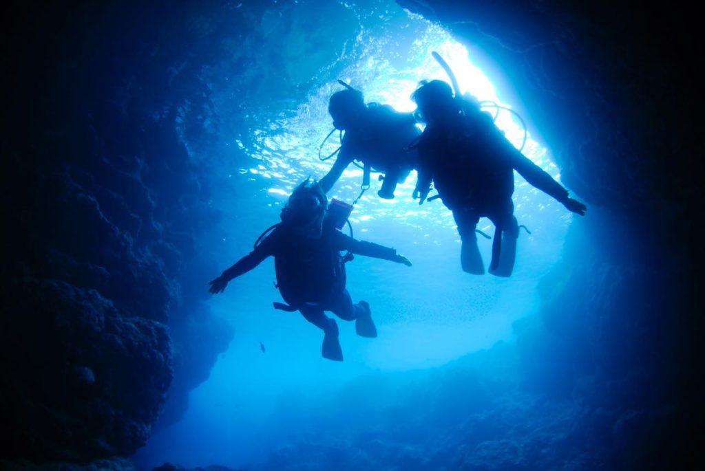 画像: 未経験でも安心。沖縄ダイビングのプロに聞く、おすすめスポットとダイビングの始め方