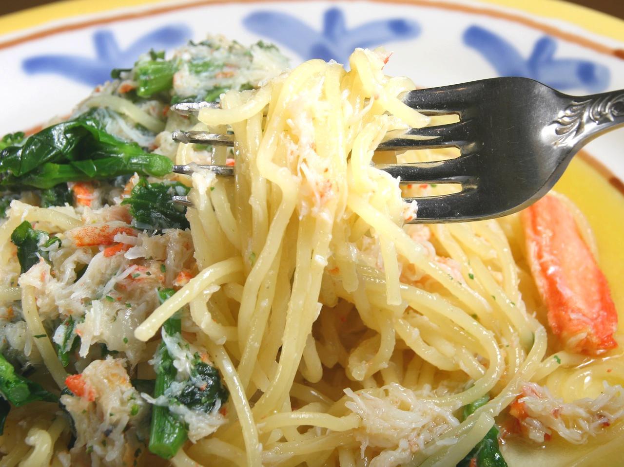 画像: ずわい蟹と菜の花の生パスタ 970円