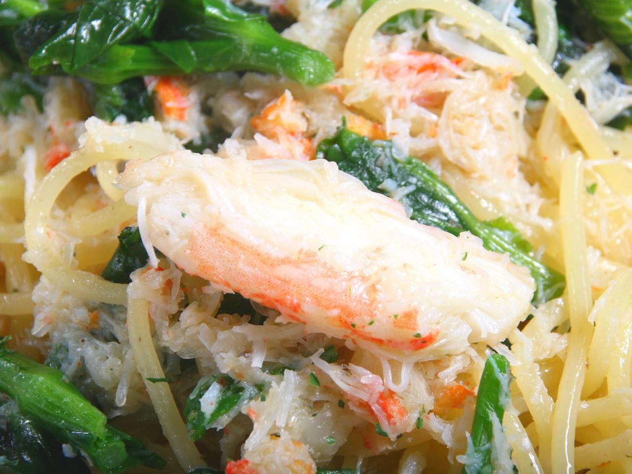 画像: さすが北海道。本ずわい蟹をふんだんに使用。ボイルした菜の花の風味も活きる