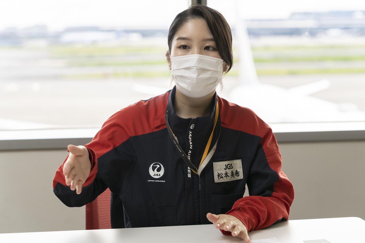 画像3: Q.機内は消毒されていますか? A.各空港で、その日のフライトを終えた機内を消毒しています