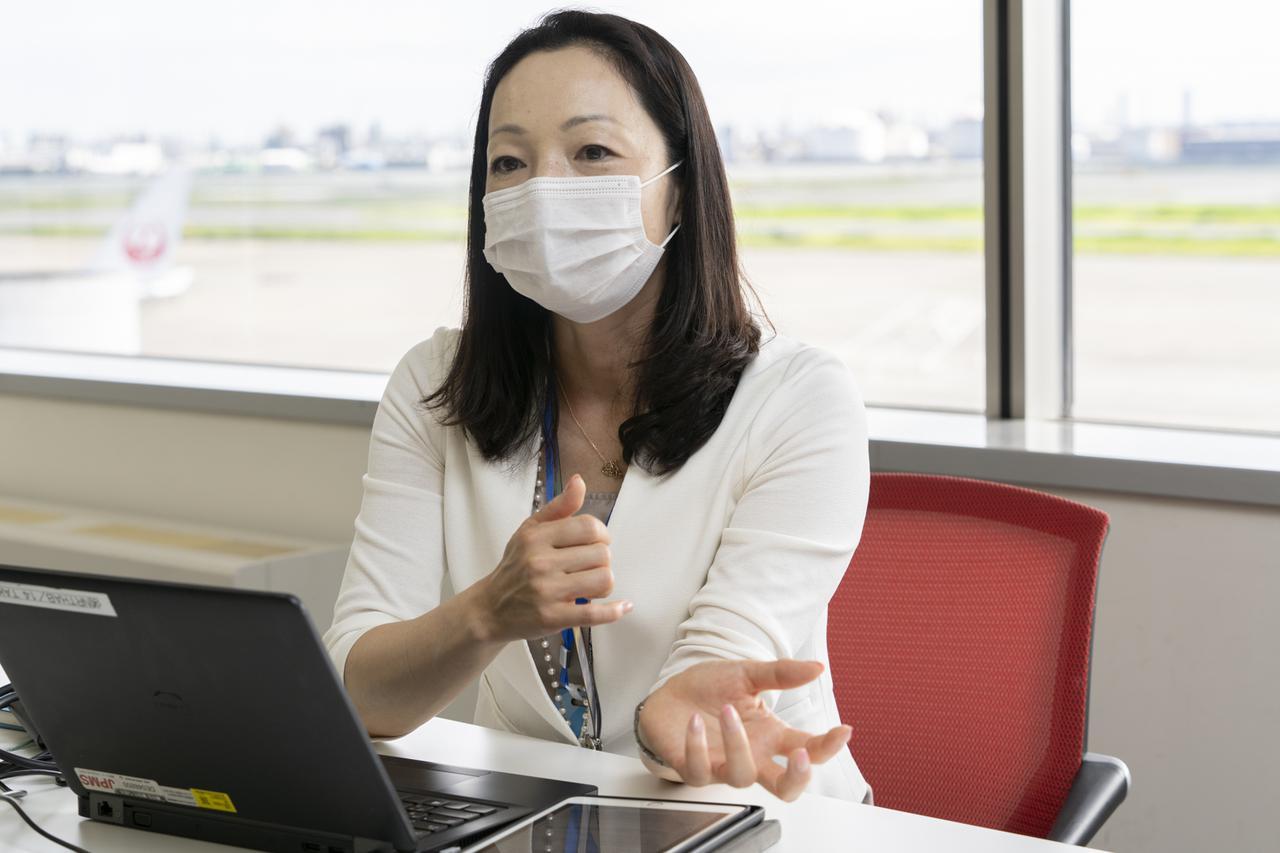 画像1: Q.機内の空気は清潔に保たれていますか? A.2~3分に一度、清浄フィルターを通してすべての空気が循環しています