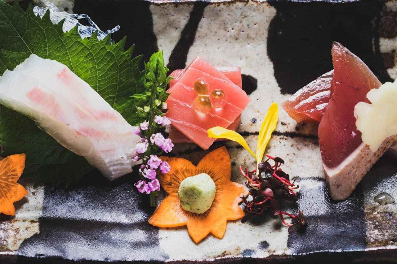 画像1: 【道後温泉 道後御湯】温泉に浸かりながら、松山城下の夜景に感動するロマンチックなひとときを