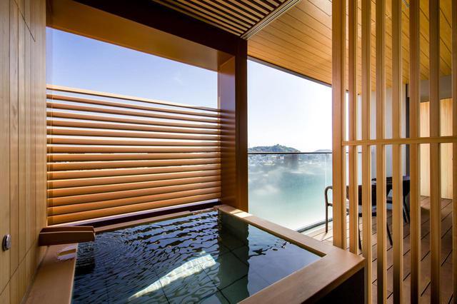 画像3: 【道後温泉 道後御湯】温泉に浸かりながら、松山城下の夜景に感動するロマンチックなひとときを