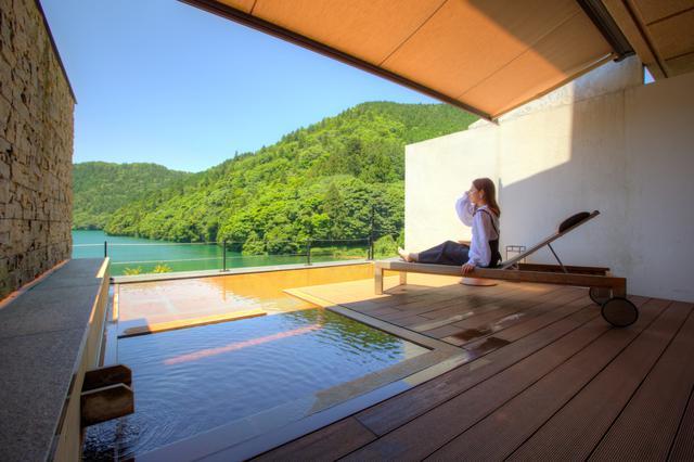画像1: 部屋付きの露天風呂と窓辺の絶景を満喫。リトリートできる「おこもり旅」