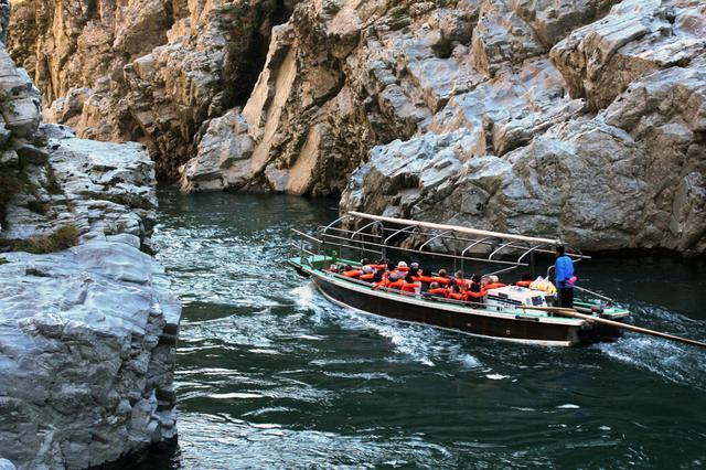 画像3: 自然が生みだした絶景を『大歩危峡観光遊覧船』から眺めて