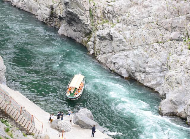 画像2: 自然が生みだした絶景を『大歩危峡観光遊覧船』から眺めて
