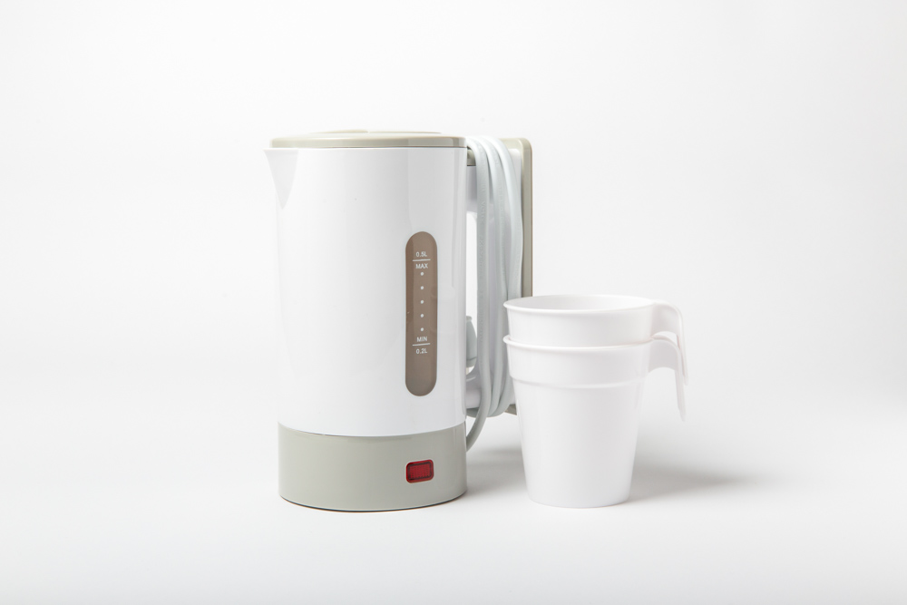画像: 旅先で淹れるお茶は、きっと格別。コンパクトで使いやすいトラベル電気ケトル