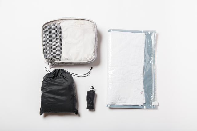 画像: ポイントは、荷物の量にあわせたサイズ選び。各種仕分けポーチ