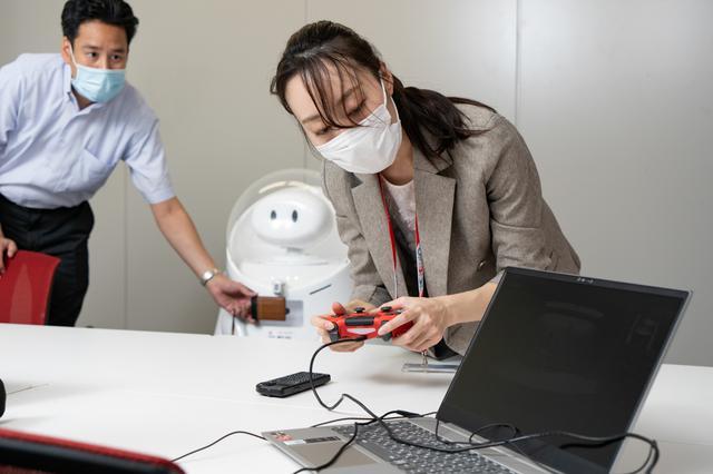 画像1: JETは、JALならではのロボットのあるべき理想型のひとつです