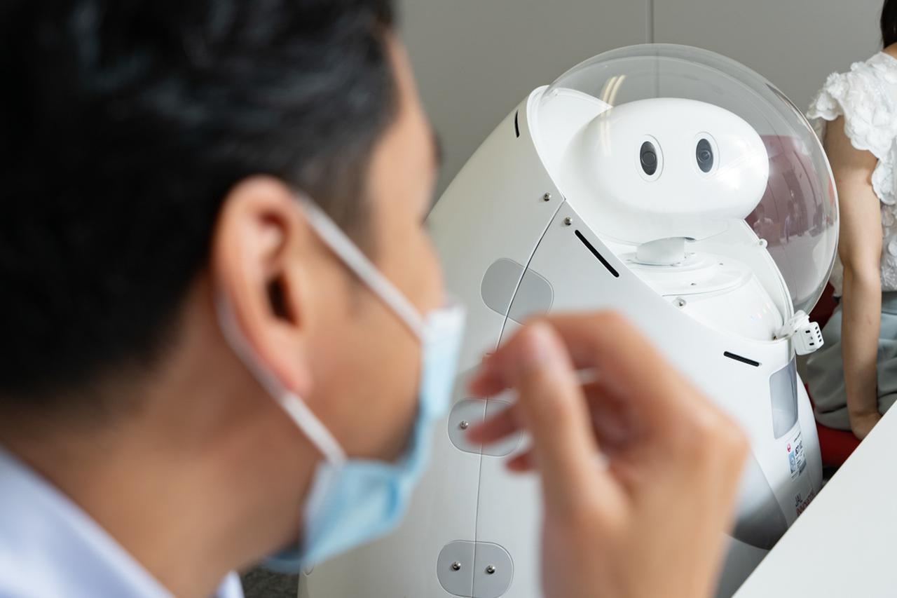 画像2: JETは、JALならではのロボットのあるべき理想型のひとつです