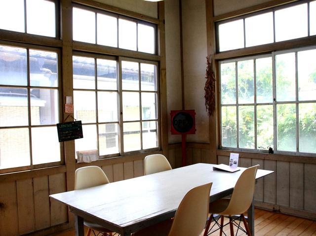 画像: 板張りの洋室は個室になっていて、開放感もあり、明るい雰囲気がただよう