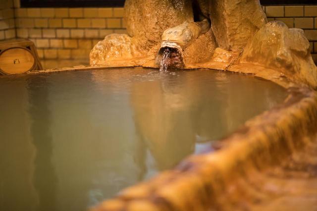 画像: ダブル美肌の湯・温泉津温泉「薬師湯」共同男湯