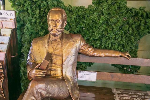 画像: 「Boys,be ambitious!(青年よ、大志を抱け)」の名言でおなじみ、札幌農学校の初代教頭ウイリアム・S・クラーク博士の像と写真を撮れるスポットも