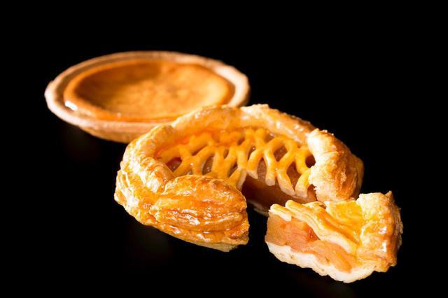 画像: 「アップルパイ・ベイクドチーズケーキ詰合せ」※北海道外への発送は税込5,994円、北海道内の発送は税込5,440円