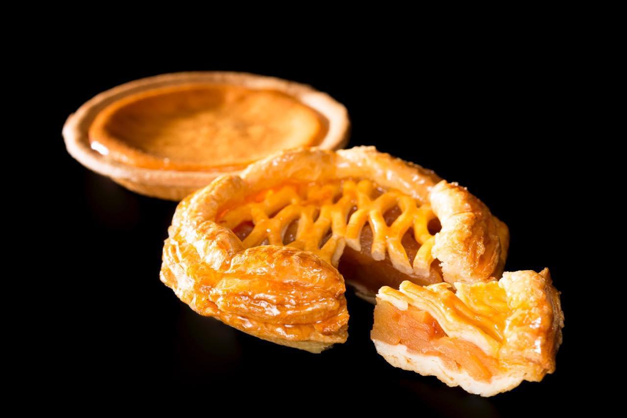 画像: 「アップルパイ・ベイクドチーズケーキ詰合せ」※北海道外への発送は5,994円・税込、北海道内の発送は5,440円・税込