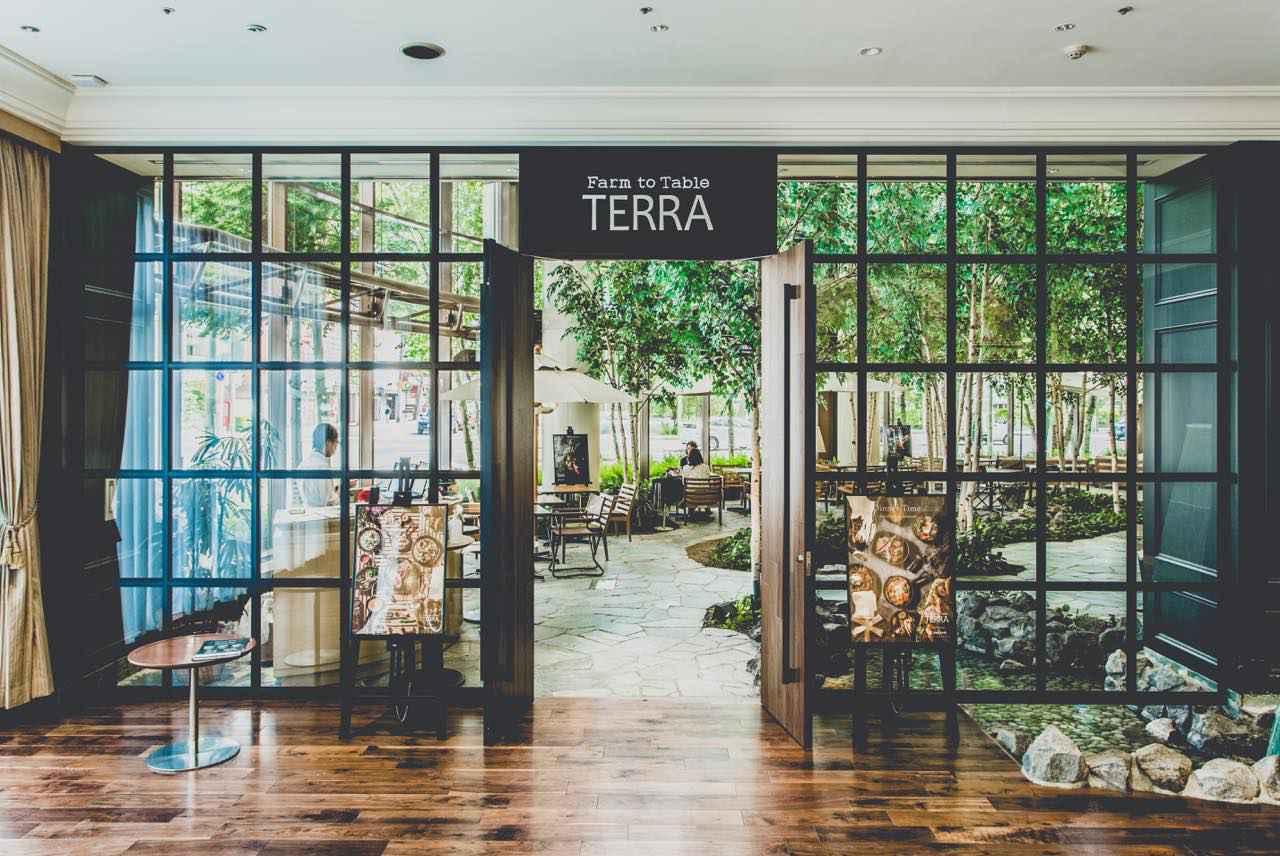 画像1: 4.ランチで人気のサラダバーでも感染予防対策。「Farm to Table TERRA」