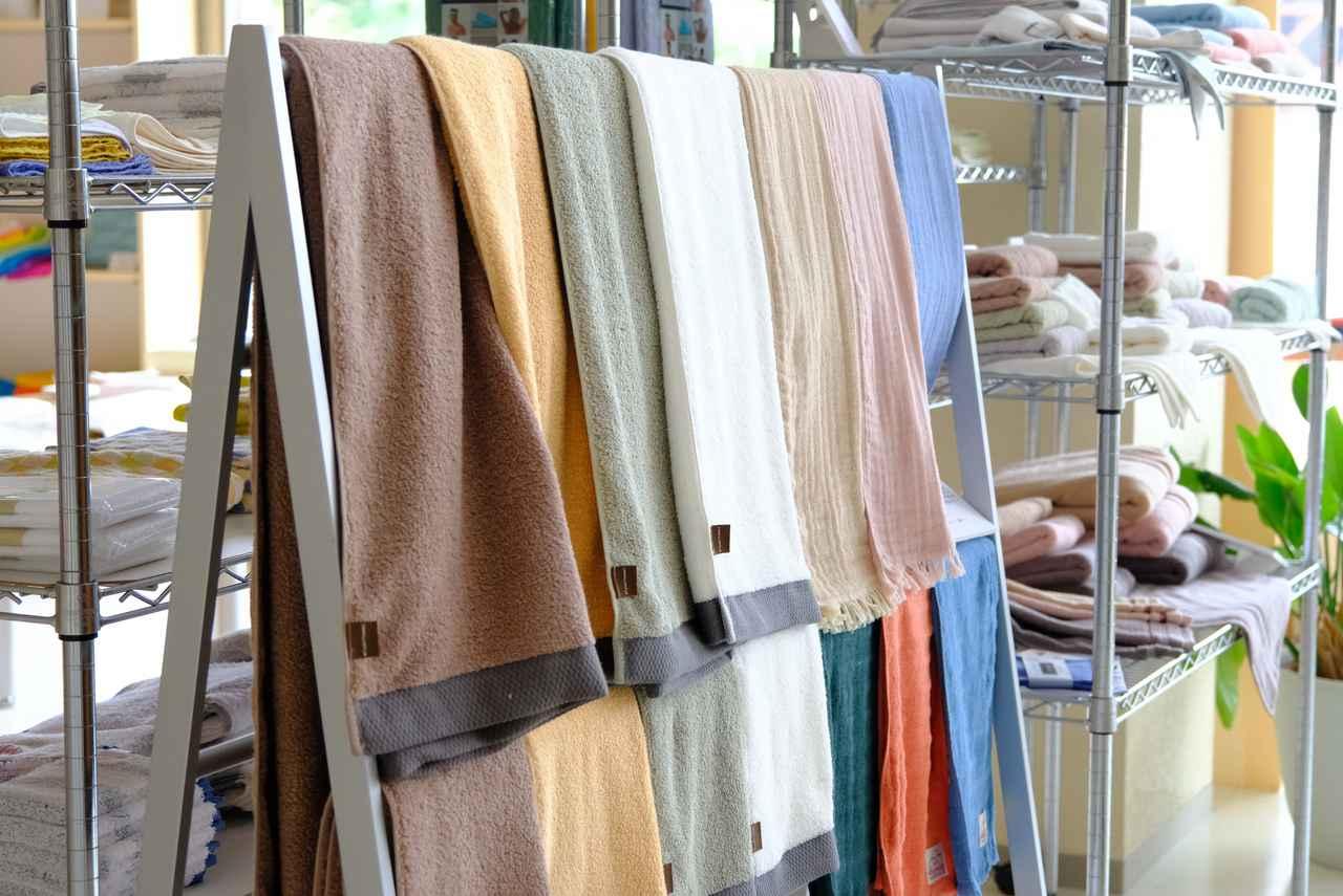 画像: 風合いや色のバリエーション、素材の違いや大きさも多種多様。国産タオルを改めて見直すきっかけになりました。
