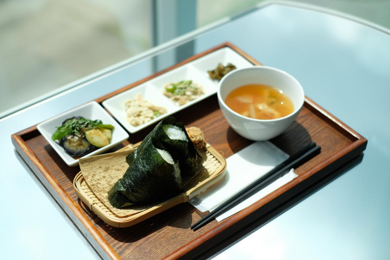 画像2: 地元でとれたコシヒカリと野菜を使った郷土食を堪能