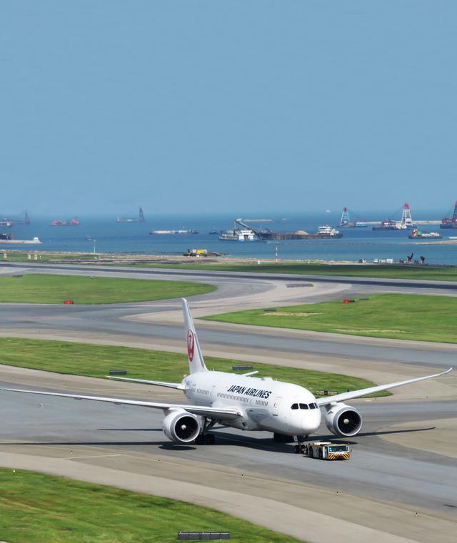 画像: 飛行機雑学File 7 地上の飛行機、実はジェットエンジンで動いています