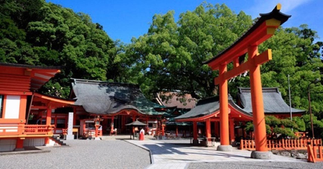 画像: 熊野那智大社