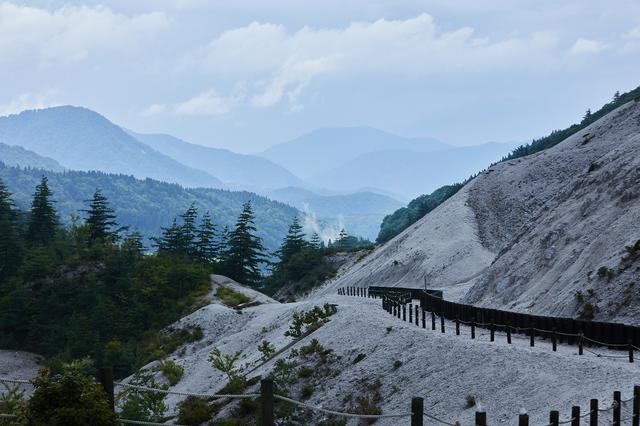 画像: 浄土長嶺(左奥)