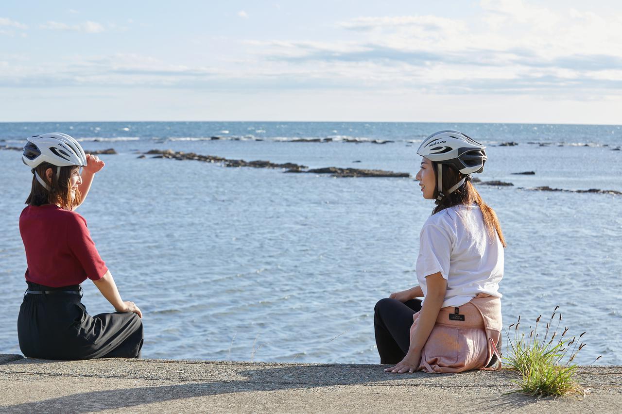 画像: 「日本の渚百選」のひとつ。秋田のウユニ塩湖とも賞される鵜ノ崎海岸