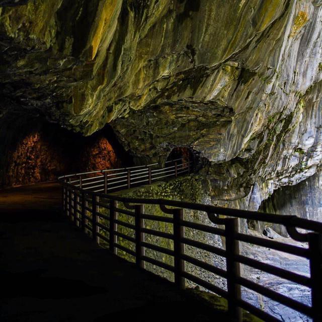 画像1: 大理石の岸壁は大迫力 太魯閣国家公園 九曲洞