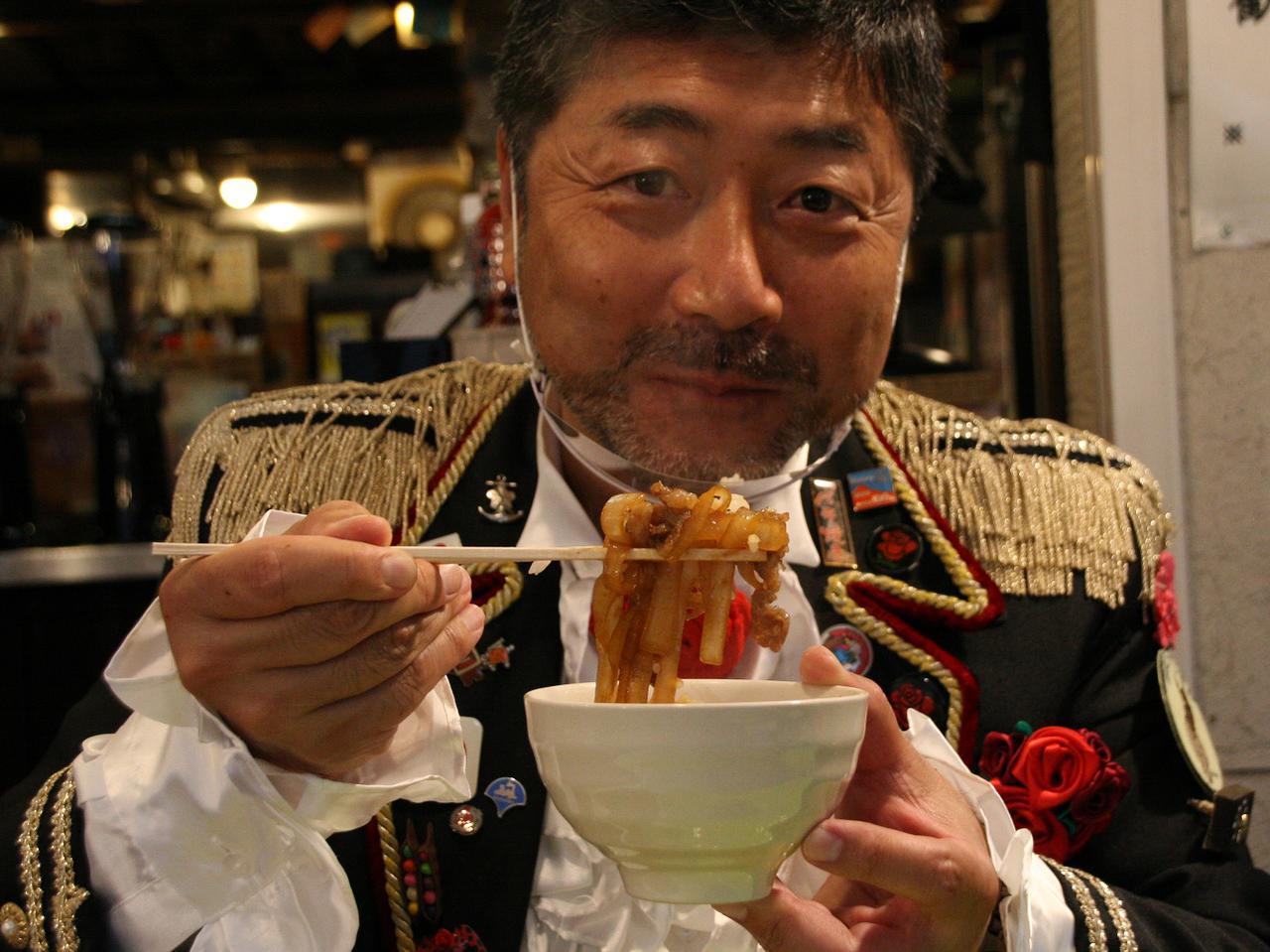 画像: バラゼミ舌校長、畑中宏之氏。企業組合ラビアンローズの代表理事でもある