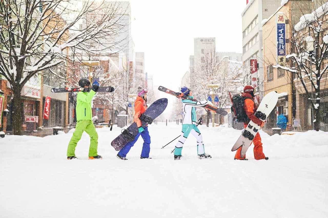 画像: イルミネーション、ソリ、スキー。冬の旭川はアクティビティの宝庫