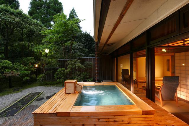 画像1: 【神奈川】奥湯河原の渓谷にたたずむ老舗の料亭旅館