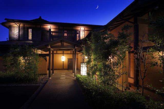 画像1: 【静岡】2種の風呂を一棟に備えた、貸別荘感覚の温泉宿