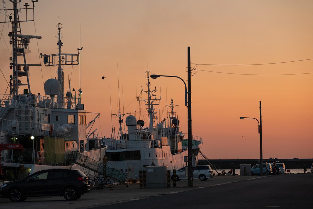画像: あまりにも夕日がきれいで、宿へ入るのが遅くなってしまいました。