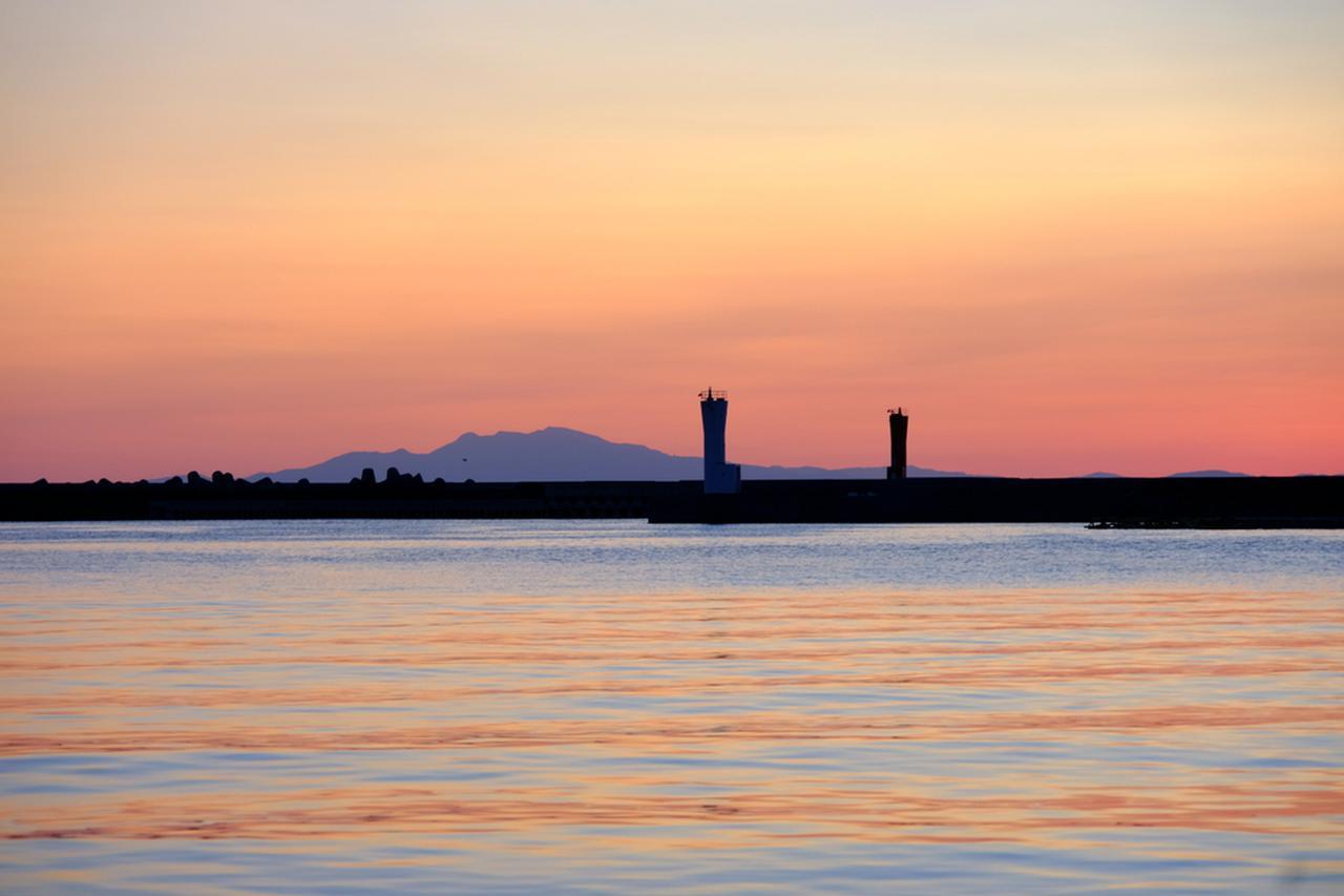 画像: 刻々と変わってゆく夕景。いつまででも見ていたい光景でした。