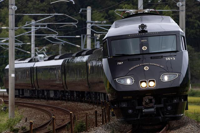 画像1: 豪華な列車内で九州の美食と絶景を堪能。個性溢れる3つの観光列車旅