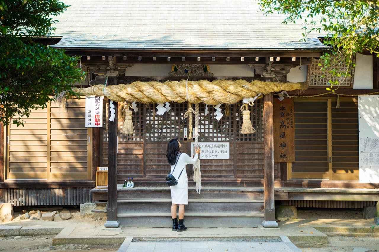 画像4: 稲積(いなづみ)山の山頂に鎮座する「高屋神社」で開運祈願