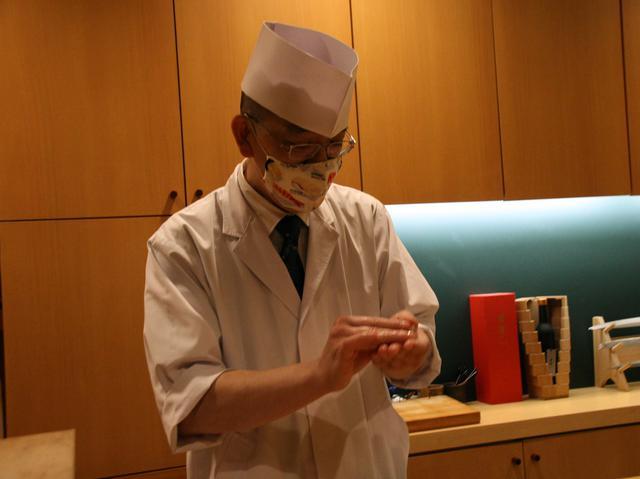 画像: 林氏に代わって店舗を統括する中山雅晶店長。真っ当な仕事ぶりが映える